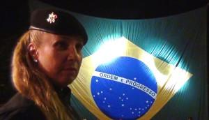 Sonia Araújo Paraquedista Bope matéria Skydive Online Luchiari Bandeira Brasil