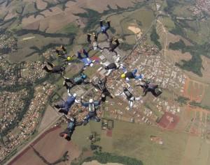 15way fql federação capixaba de paraquedismo skydive online novo recorde foto rick neves